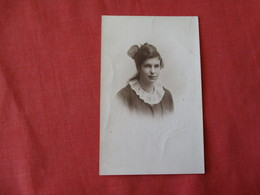 RPPC By French & Son---- Young Girl    ?? New Zealand    Ref 3177 - Postcards