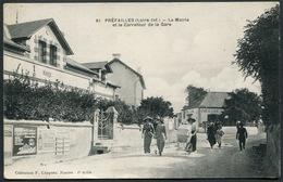 Préfailles - La Mairie Et Le Carrefour De La Gare - 61 Collection F. Chapeau - Voir 2 Scans - Préfailles