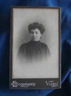 Photo CDV  Commeau à Vichy  Portrait Belle Jeune Femme Brune - L423 - Persone Anonimi