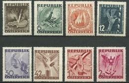 Timbres Neufs** D'autriche, N°638-645 Yt, Exposition Antifasciste, Ne Jamais Oublier,  Anti Nazisme, Main, Chaine, Aigle - 1945-60 Neufs