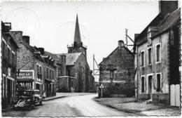 D56 - CAMPENEAC - ARRIVEE DE BEIGNON - Véhicules Anciens Devant Le DANIEL Café Bar-Huiles Renault-Eglise - France