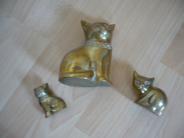 3 Katzen Aus Messing   (755) - Skulpturen
