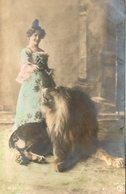 Femme Au Lion - Lions