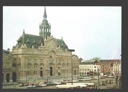 Roubaix - L'Hôtel De Ville - Voitures, Autobus - Roubaix