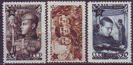 ROSSIA - RUSSIA - Mi. 1111/13A  ARMY  DAY  MAPS  TANK  - **MNH - 1947 - 1923-1991 URSS