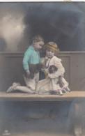 AK - Kinder  Mit Puppe Und Pezzi Bär Auf Rädern - 1915 - Illustratori & Fotografie