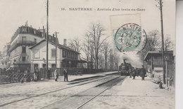 NANTERRE   ARRIVEE D UN TRAIN EN GARE - Nanterre