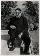 Photo Originale Portrait De M. Le Curé En 1958 En Mode Playboy - Métiers