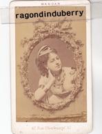 PHOTO CDV - PORTRAIT De FEMME Un Peu EROTIQUE Par Le Photographe MANDAR 47, Rue Oberkampf PARIS -  1880 1900 Env - Photos