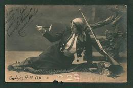 TEATRO ESPAÑOL - CARMEN ALBERTOS In Gypsy Fortune Teller Costume Rifle, Knife And Cards Autograph Dedicacee Badajoz 1911 - Fotos Dedicadas