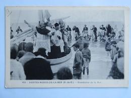C.P.A. : 13 SAINTES-MARIES DE LA MER : Bénédiction De La Mer - Saintes Maries De La Mer