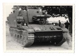 PHOTO ANCIENNE NOIR ET BLANC / CHAR DE COMBAT AVEC  A  IDENTIFIER   / MILITAIRE / SOLDAT - Guerre, Militaire