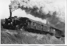 Train à Vapeur Avec Des Voyageurs *photo - Trains