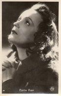 Edith Piaf . - Singers & Musicians