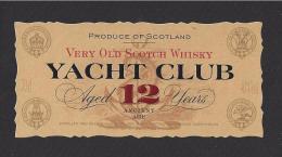 Etiquette  De Scotch Whisky  -  Yacht Club  -  Ecosse  -  4.2 X 9 Cm - Etiquettes