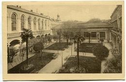 NIMES - Lycée De Garçons - Cour D'honneur - Voir Scan - Nîmes