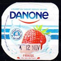 """Opercule Cover Yaourt Yogurt """" Danone """" Fraise Au Lait Algérien With Algerian Milk Yoghourt Yahourt Yogourt - Opercules De Lait"""