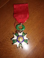 Medaille Militaire Legion D Honneur 1870 - Medals