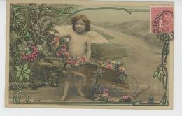 ENFANTS - LITTLE GIRL - MAEDCHEN - Jolie Carte Fantaisie Fillette Nue CUPIDON Avec Brouette De Fleurs - Portraits