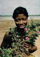 Afrique Africa Jeune Fille Aux Fleurs Girl And Flowers - Afrique