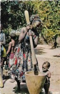 Afrique Africa Pilage Du Mil Crushing Of Mil - Afrique
