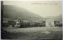 UN TRAIN EN GARE - RAON SUR PLAINE - Raon L'Etape