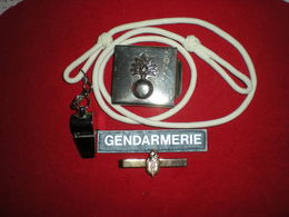 LOT GENDARMERIE 2 - Policia