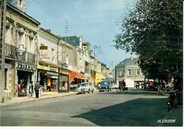 44 ..  VERTOU .. LA PLACE SAINT MARTIN ..FAMILISTERE . PHARMACIE . MAISON DE LA PRESSE . TABAC - France