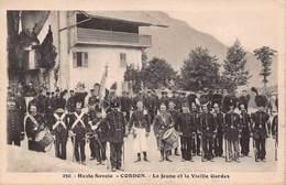 CPA Haute-Savoie - CORDON - La Jeune Et La Vieille Gardes - Francia
