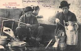 CPA LES BAUGES - Rétameurs Italiens Au Travail - France