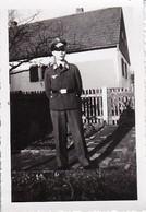 Foto Deutscher Soldat  - 1943 - 8*5,5cm  (39790) - Krieg, Militär