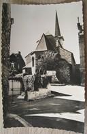 Bouffioulx L'Eglise Et Le Monument - Châtelet