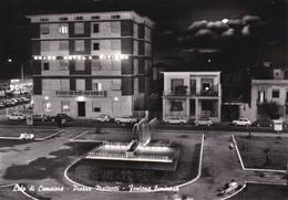 LUCCA - Lido Di Camaiore Di Notte - Piazza Matteotti - Nuova Fontana Luminosa E Giardini - Grand Hotel Riviera - 1964 - Lucca