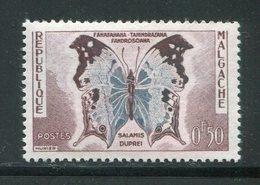 MADAGASCAR- Y&T N°343- Neuf Sans Charnière ** (papillons) - Schmetterlinge