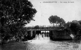 CPA  - 59 - COURCHELETTES - Les Vannes Du Bassin - France