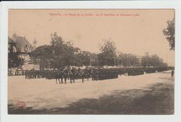 TROYES - AUBE - LA REVUE DU 14 JUILLET - LE 1er BATAILLON DE CHASSEURS A PIED - Troyes