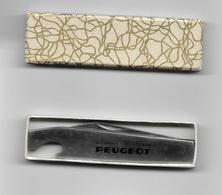Couteau De Poche  PEUGEOT Dans Sa Boîte- ( Aciers Et Outillage) - Autres Collections