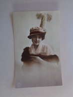 Alte  Karte - Frau Mit Hut - 1918 - Other