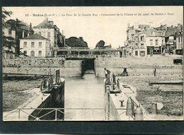 CPA - REDON - Le Pont De La Grande Rue, Animé - Croisement De La Vilaine Et Du Canal De Nantes à Brest - Redon