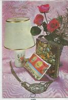 Bonne Fête Maman. Lampe De Chevet, Sac à Main, Vase De Roses Rouges. Pièce De 25 Centimes Trouée En Pendentif. - Fête Des Mères