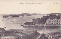 CPA - 4. BREST L'entrée Du Port Et La Rade - Brest