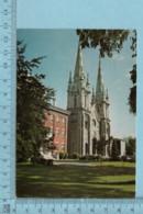 Saint-Hyacinthe  Quebec - La Cathedrale  - Carte Postale + Timbre A Servi En 1982 - St. Hyacinthe
