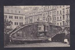 Guerre 14-18 Char De Combat Anglais Hyaena Capturé Près De Cambrai Place Du Marché Leipzig Englischer Tank - War 1914-18