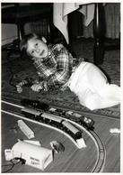 Photo Originale Jeu & Jouet - Garage Schuco Tôle à Clé Avec Téléphone - Garage 1500 & Train électrique HO Vers 1960/70 - Objects