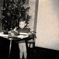 Photo Originale Jeu & Jouet - Piste & Autos Tamponneuses Mécaniques Vers 1960 Au Pied Du Sapin De Noël Vers 1960 - Objets