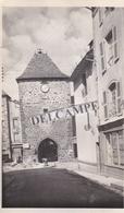 MUR DE BARREZ Années 1930 - Photo Originale De La Tour Porche ( Travaux), Le Magasin '' La Petite Fermière '' ( Aveyron - Lieux