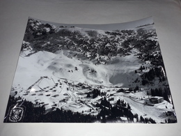 Grande Photographie Aérienne De Chamrousse (Haute Savoie). Pistes Ski Alpin Jeux Olympiques D'Hiver Grenoble 1968 - Sports