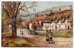 ARTIST : BRIDGEMAN : WENDOVER : THE OLD COTTAGES / POSTMARK - WENDOVER / ADDRESS - LONDON, ST. BARTS (TUCKS OILETTE) - Buckinghamshire