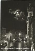 W1480 Foligno (Perugia) - Piazza Della Repubblica - Panorama Notturno Notte Night - Auto Cars Voitures / Viaggiata 1964 - Foligno