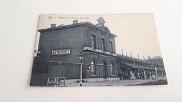 *AERSCHOT  LIntérieur De La Gare Belle Animation Oblitérée En 1907 - Aarschot